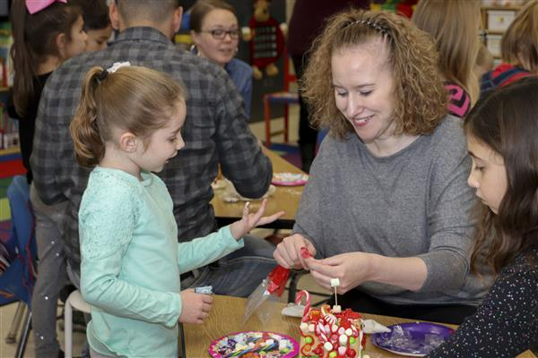 Mrs. Hecklau's Class Makes Gingerbread Houses to Benefit the Stevens-Swan Humane Society