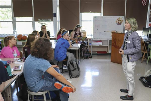 High School Students Learn About Careers in Art
